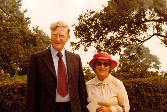 RCVS Knowledge has launched a new award to recognise individuals who make significant contributions to the eradication of infectious diseases, named in memory of the eminent veterinary virologist Walter Plowright and his wife, Dorothy Plowright.